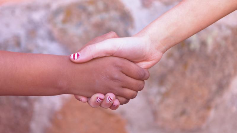 respeto y educar en la diversidad_manos